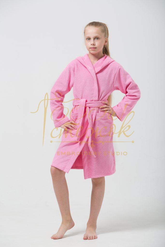 Подростковый укороченный халат с капюшоном категории «Премиум Россия» с именной вышивкой (Розовый)